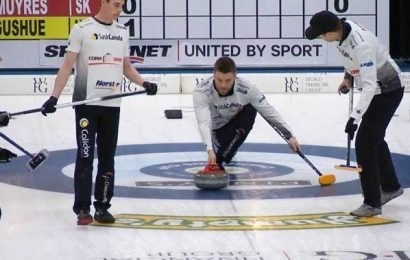 Brad Gushue shuts out Kirk Muyres 6-0 in Draw 2 of Champions Cup in Saskatoon