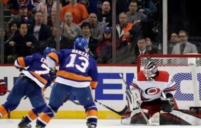 Clanging Metal May Haunt Islanders After Another Home Loss to Hurricanes