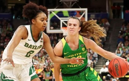 Ionescu unsure if she'll turn pro after Oregon loss