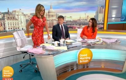 Kate Garraway baffles co-hosts and viewers with odd floss attempt live on GMB