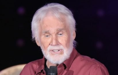 Ailing Country Legend Kenny Rogers Prepares For Death