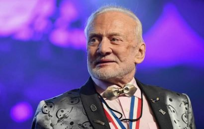 Buzz Aldrin says humans really need to move to Mars