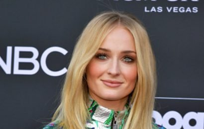 How Sophie Turner Dealt with Pressure to Lose Weight While FilmingGame of Thrones