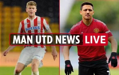 4.30pm Man Utd transfer news LIVE: Nathan Collins to sign, Sanchez cuts short holiday for move, Pogba told to make transfer request