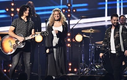 Dan + Shay Give Amazing Performance Of 'Speechless' With Tori Kelly At 2019 BBMAs