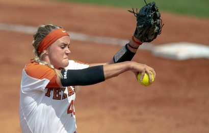 Texas softball pitcher 'doing well' after ball hits her in face: reports