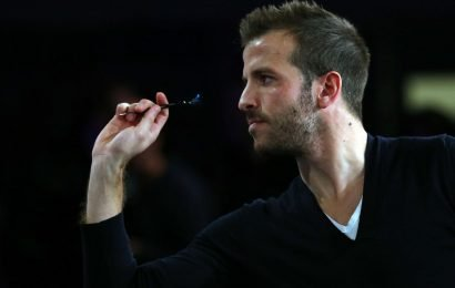 Rafael van der Vaart makes professional darts debut at BDO Denmark Open