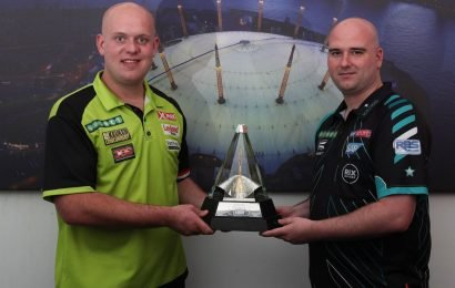 Rob Cross and Michael van Gerwen battling it out for top spot in Premier League