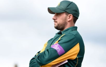 Worcestershire end Notts' winning run in Royal London One-Day Cup