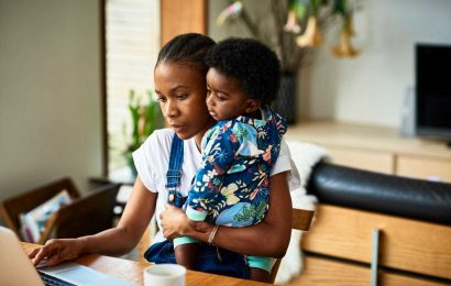5 Infuriating Facts About The Motherhood Penalty At Work