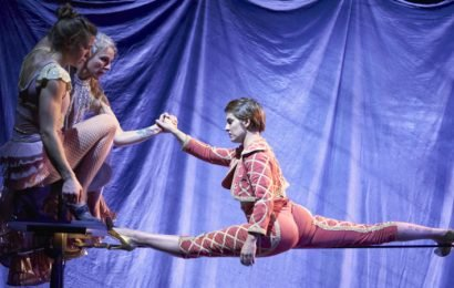 Circus Oz delivers high times with Wunderage