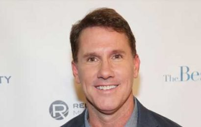 Author Nicholas Sparks Accused of Banning LGBT Club at His School (Report)