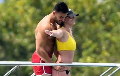 Never Let Go! Britney Spears, Sam Asghari Have a 'Titanic' Moment in Miami