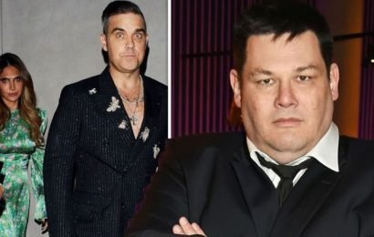 Mark Labbett: The Chase star addresses THAT Robbie Williams photo after jibe about height