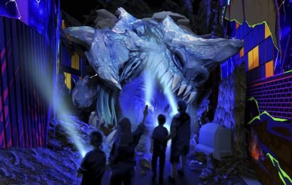 Pacific Rim Shatterdome Strike ride heading to Trans Studio