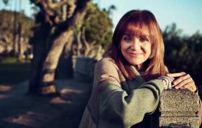 Celebrities Remember TV Icon Valerie Harper: She Was 'the Epitome of Strength and Humor'