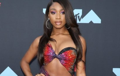 Normani Wore the '90s French Manicure to the VMAs Red Carpet, and It Was Flawless