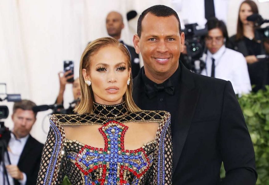 Jennifer Lopez and A-Rod's daughters looks identical in new photo