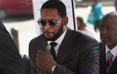 Both Chicago and Brooklyn want first crack at trying R. Kelly
