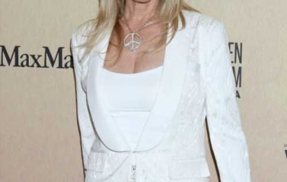Rosanna Arquette: 'I'm sorry I was born white and privileged. It disgusts me.'