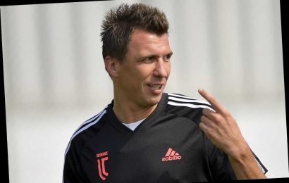 Man Utd lead transfer chase for Mandzukic with Juventus 'willing to waive transfer fee' for Croatian striker – The Sun
