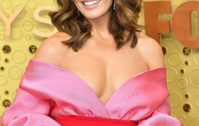 Mandy Moore Channels Old Hollywood Glam At The Emmys