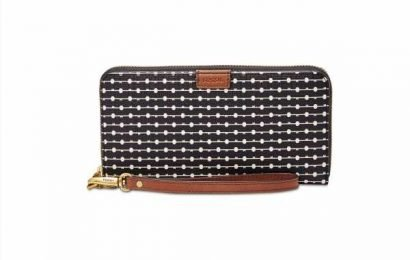 This Cute, All-in-One Clutch Offers an Extra Layer of Protection