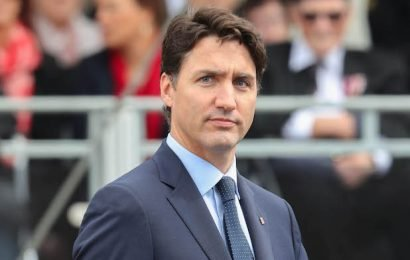 Justin Trudeau Apologizes for 2001 Brownface Photo: 'I'm Pissed Off at Myself'