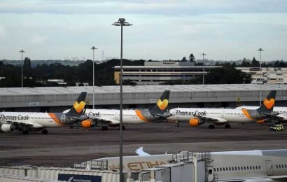 Why has Thomas Cook collapsed?