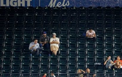 Empty seats is sad Mets reminder of their status