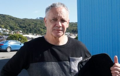 New Zealand gun buyback exposes emotions, possibly hustlers