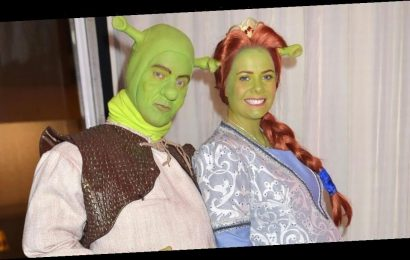 Jeremy Kyle and pregnant fiancee Vicky Burton pat matching bumps for Halloween