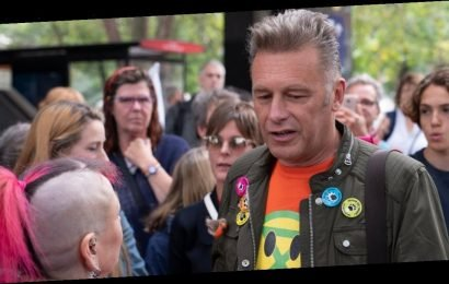 Chris Packham hits back at Boris Johnson, says 'I'd get arrested to save planet'