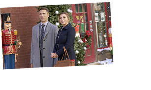 """There's A """"Christmas Con"""" For Hallmark Movie Enthusiasts To Meet Up"""