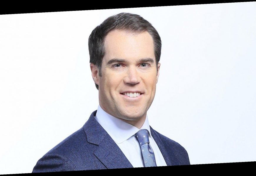 NBC Journalist Peter Alexander Has White House Mouse Fall Right In Lap