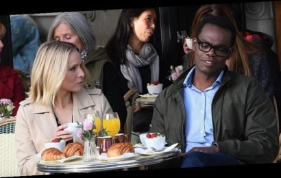 Kristen Bell & William Jackson Harper Shoot a Scene for the Final Season of 'The Good Place' in Paris