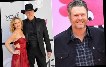 Blake Shelton officiated Trace Adkins and Victoria Pratt's wedding