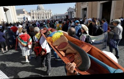 Pope's Amazon synod proposes married priests, female leaders