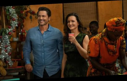 What is Kristin Davis' new movie Holiday in the Wild about?