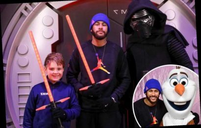 Neymar relaxes amid rift with PSG as he heads to Disneyland Paris to hang out with Star Wars and Frozen stars – The Sun
