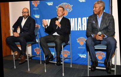Knicks brass publicizes frustrations in wild news conference