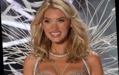 You'll Never Believe What the First VS Fashion Show Looked Like