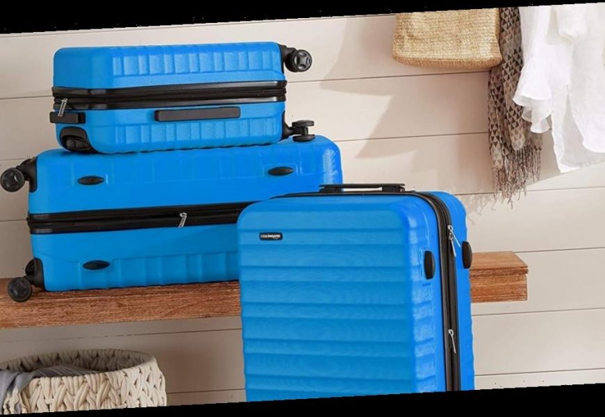 Traveling This Holiday Season? With Sleek Luggage, You'll Have 1 Less Thing to Worry About