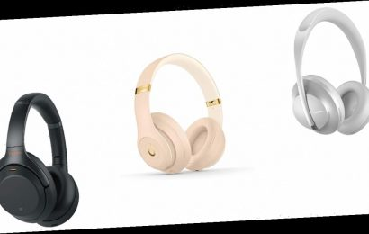 These Top-Rated Headphones Are Still Going for Black Friday Prices
