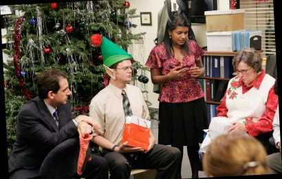 The Office Christmas Episodes to Binge on Netflix, According to Mindy Kaling