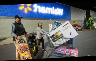 Last-minute holiday shopping? Here's when Best Buy, Walmart, Costco are open Christmas Eve