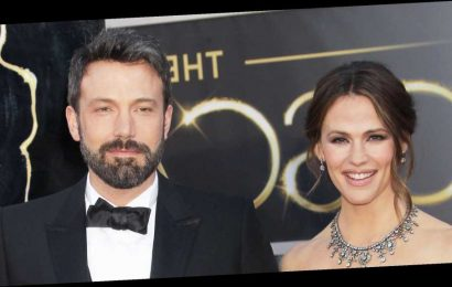 Ben Affleck Gets Choked Up Talking About 'Painful' Divorce From Jen Garner