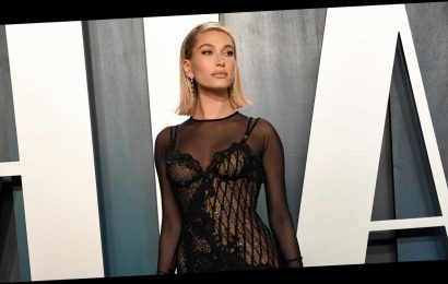 Here's Why Hailey Baldwin Went to Vanity Fair's Oscars Party Without Justin Bieber