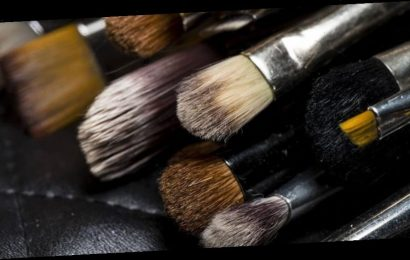 How to Clean and Sanitize Your Makeup Brushes