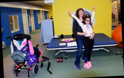 Girl who suffered devastating brain injury cheerleading again